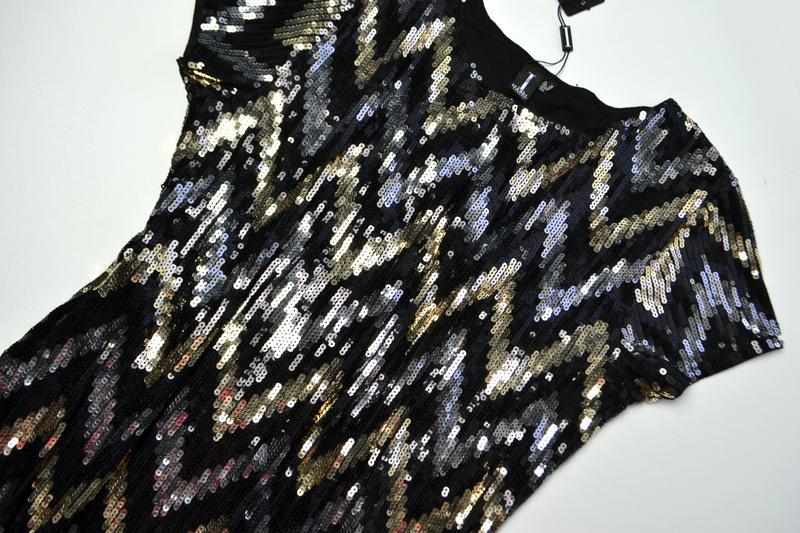 Роскошное платье из пайеток в принт елочка - Фото 4