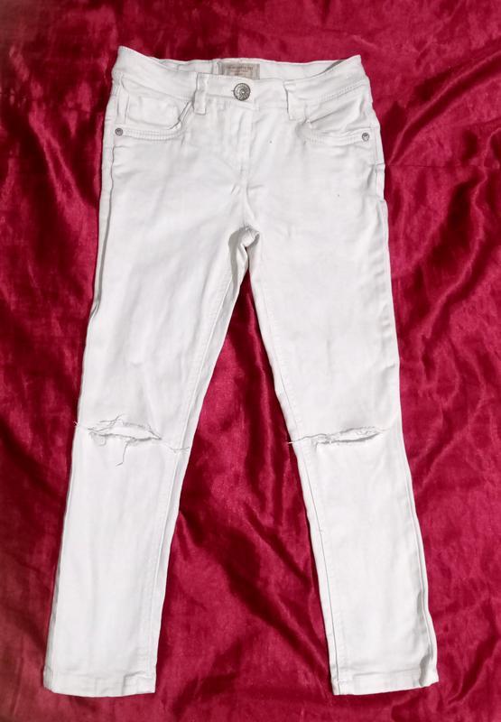 Классные фирменные джинсы рванет next девочке 8-9 лет