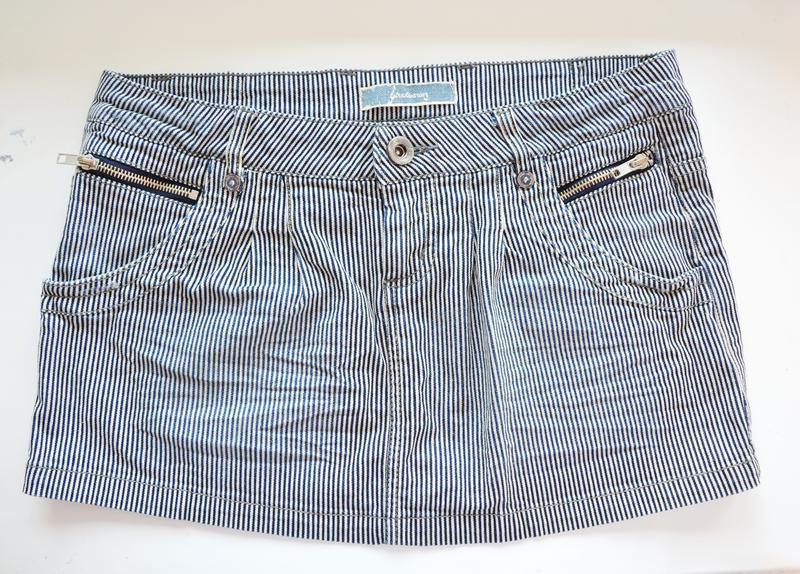 Джинсовая мини-юбка в полоску stradivarius