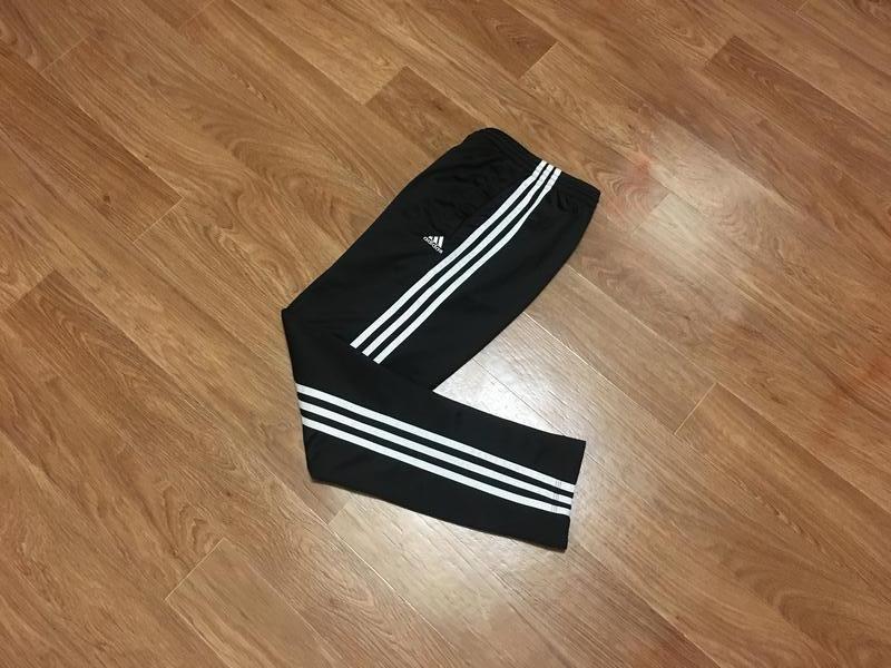 Суперовые спортивные штаны от adidas - young boys essentials 3... - Фото 2