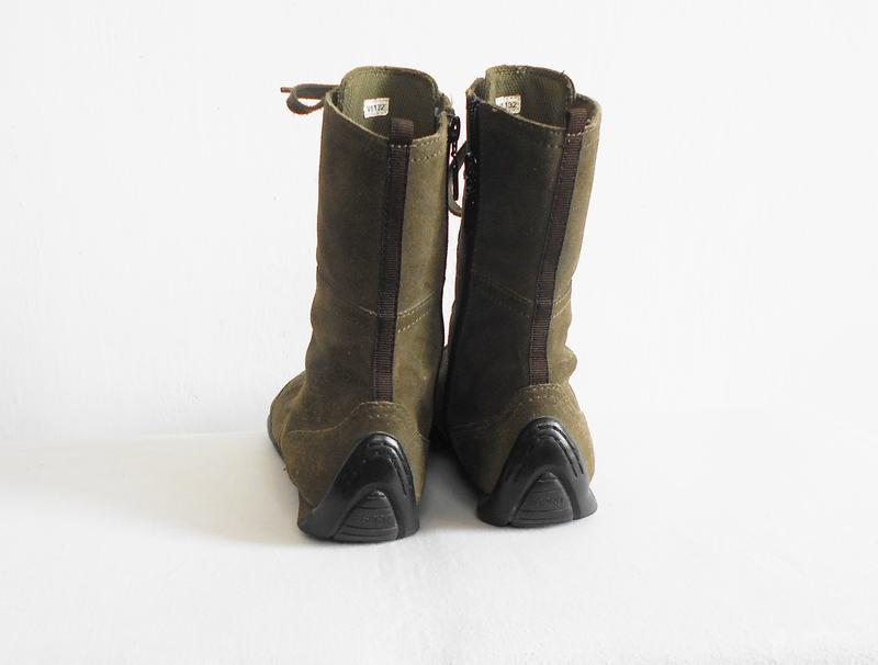 Замшевые кожаные осенние высокие спортивные  ботинки - Фото 3