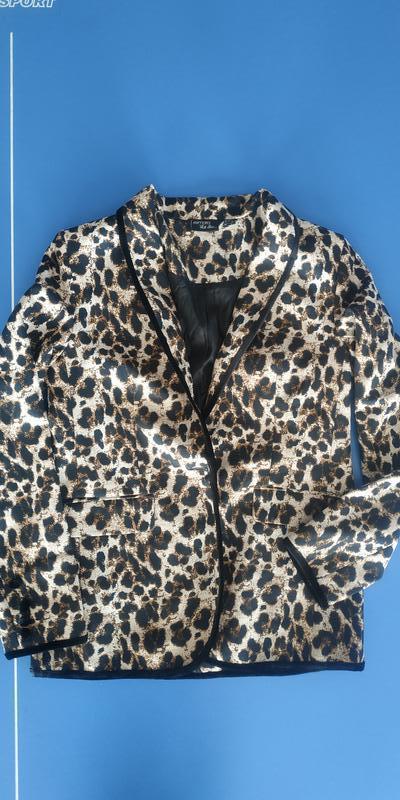 Брючный костюм esmara леопардовый принт - Фото 3