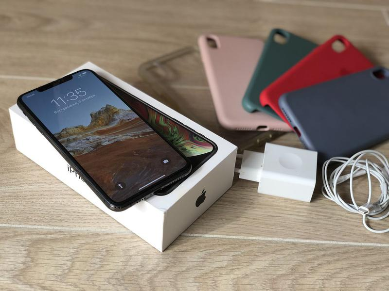 Продам телефон Apple Iphone XS Max 64gb