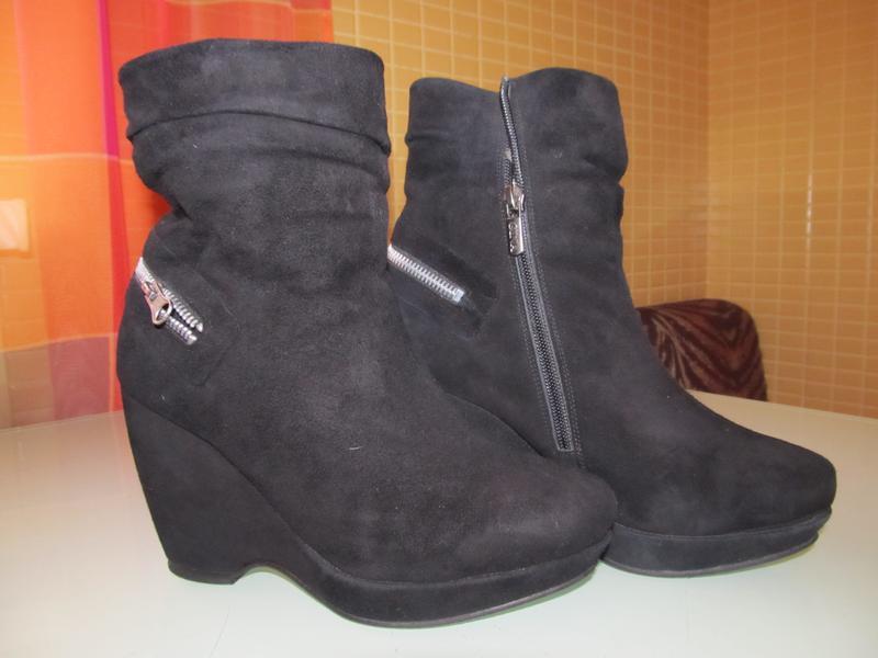Женские ботинки gina