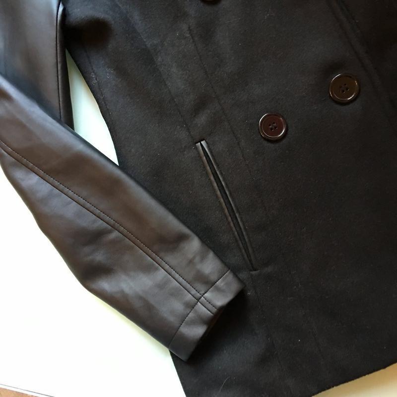 Шикарное пальто с кожаными рукавами - Фото 2