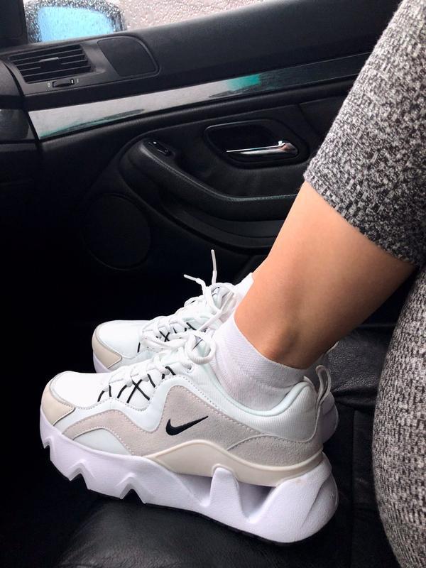 Женские кроссовки nike ryz 365 white
