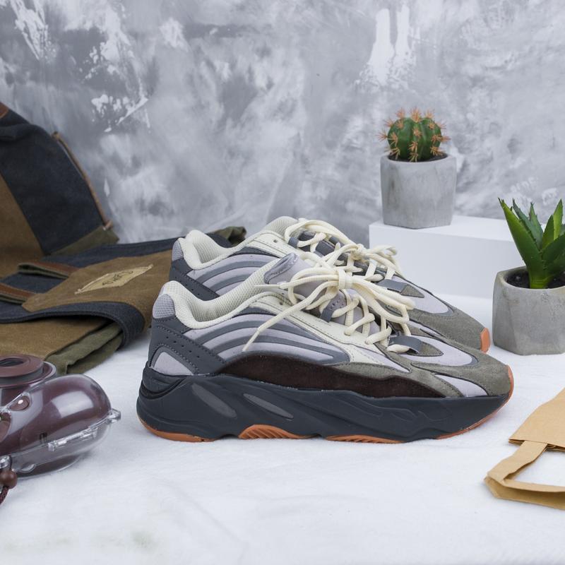 Кроссовки adidas x kanye west yeezy 700 - Фото 3