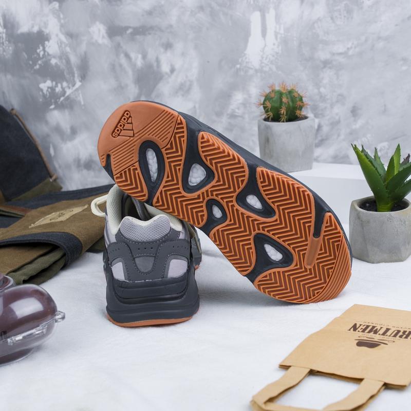 Кроссовки adidas x kanye west yeezy 700 - Фото 4