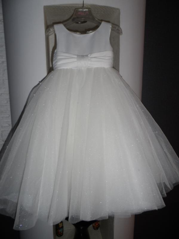 Emma bridals,шикарное дизайнерское платье,на 2-3 года,идеал