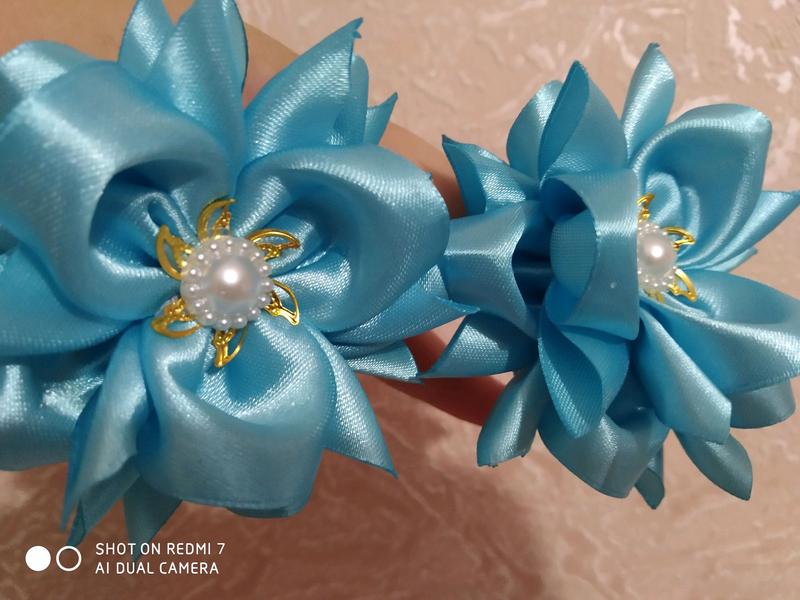 Нежные бантики- цветы на резиночках - Фото 3
