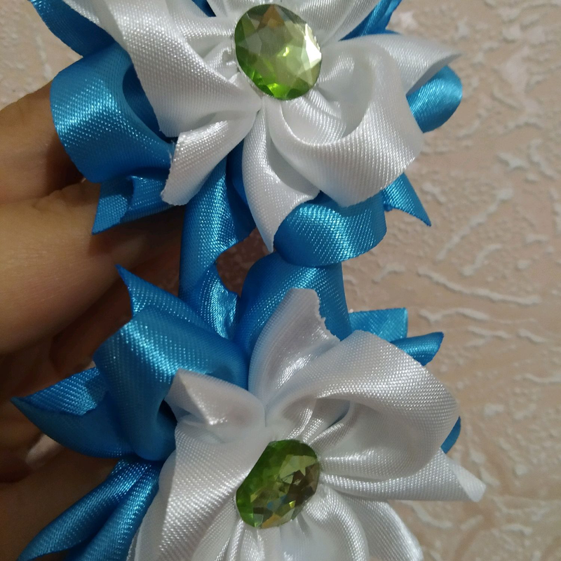 Нежные бантики- цветы на резиночках - Фото 5