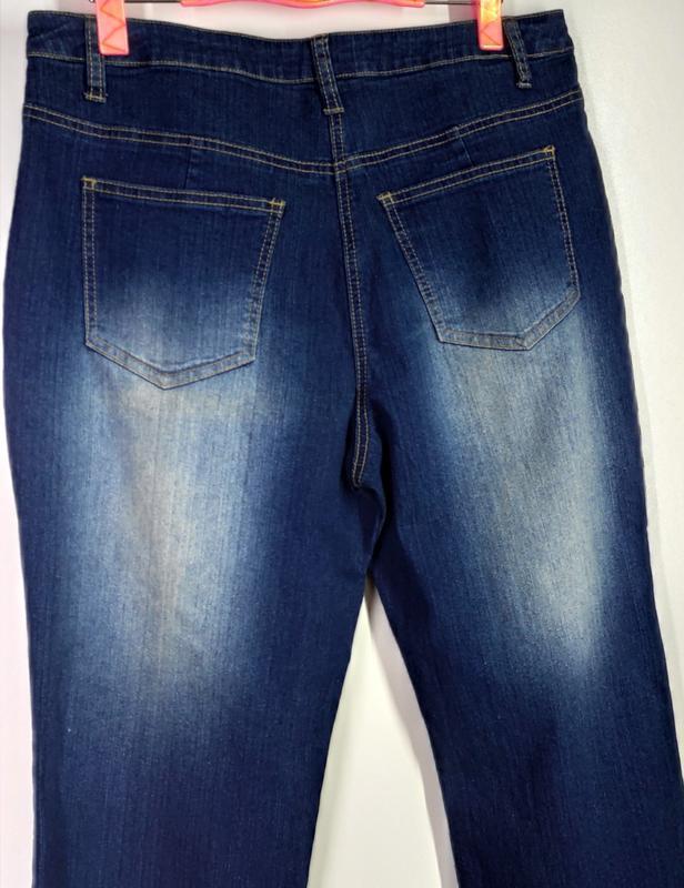 Женские эластичные прямые джинсы размер 50-52 - Фото 3