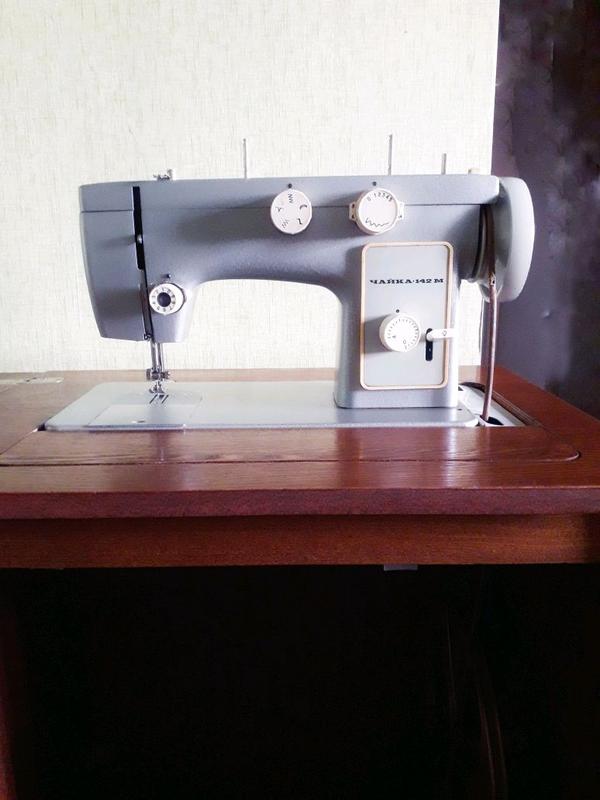 Швейная машинка Чайка 142 -М