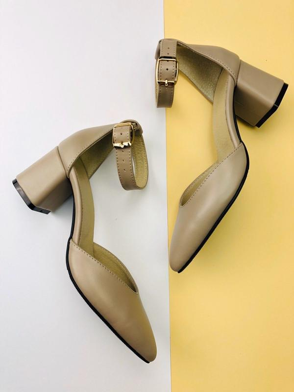 Lux обувь! натуральные кожаные женские босоножки на удобном ка...