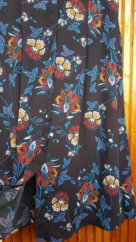 Стильное платье миди h&m на пуговицах - Фото 6