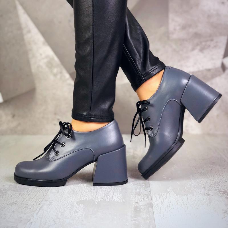 Натуральная кожа. закрытые туфли на шнурках на ассиметричном к... - Фото 4