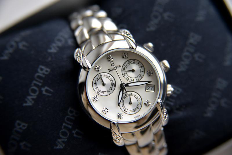 Бриллианты! женские часы хронограф с бриллиантами bulova, діам...