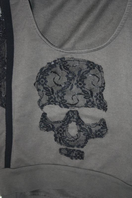 Кофточка с черепушкой. реглан. свитшот с кружевом - Фото 3
