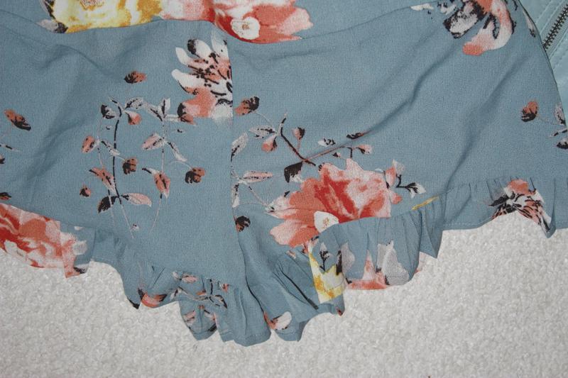 Красивые легкие шорты с рюшами - Фото 3