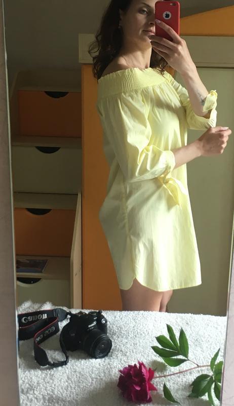 Милое желтое платье на лето с открытыми плечиками