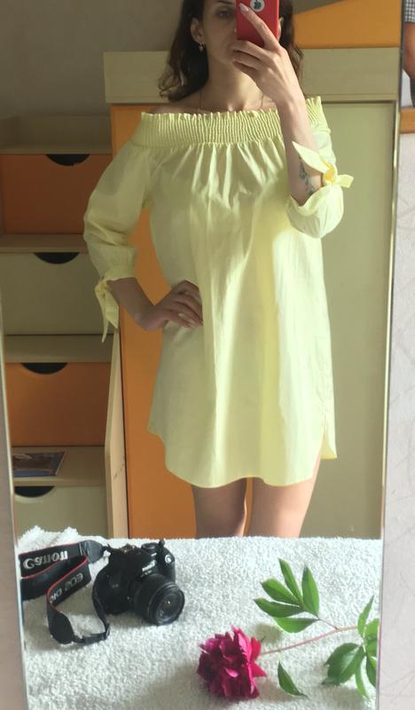 Милое желтое платье на лето с открытыми плечиками - Фото 2