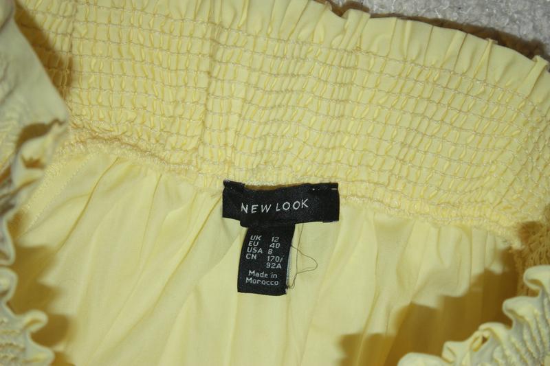 Милое желтое платье на лето с открытыми плечиками - Фото 5