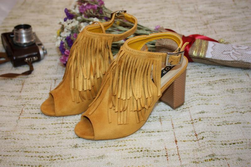 Стильные босоножки с бахрамой. туфли на каблуке top or горчичн... - Фото 2