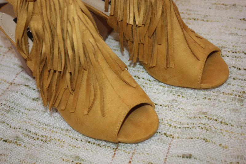 Стильные босоножки с бахрамой. туфли на каблуке top or горчичн... - Фото 5