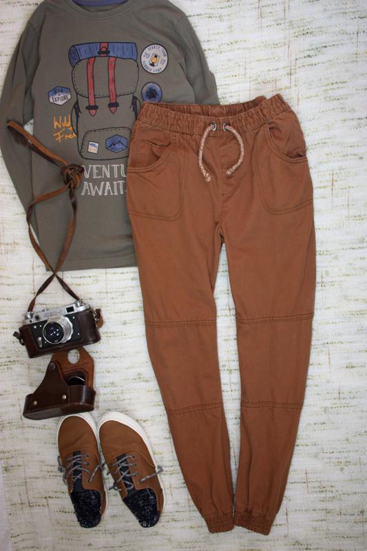 Стильные штаны на 9-10л. джинсы с манжетами