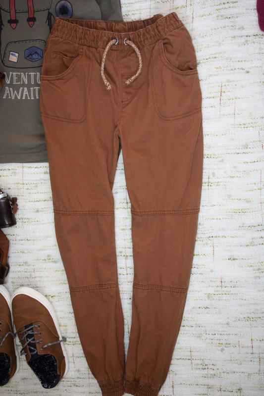Стильные штаны на 9-10л. джинсы с манжетами - Фото 2