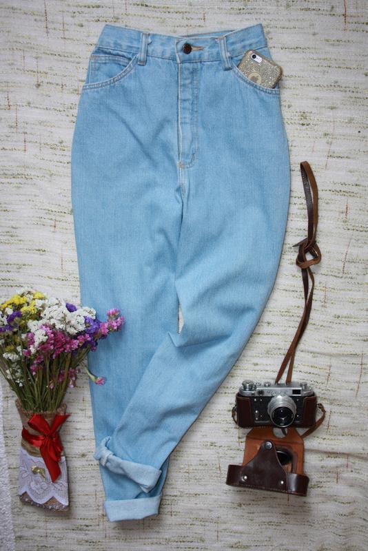 Крутые момы. джинсы с высокой посадкой. джинсы мом