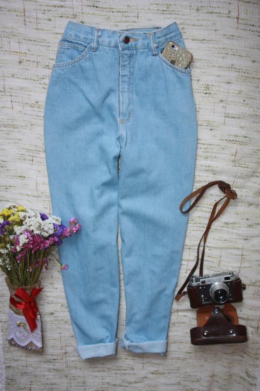 Крутые момы. джинсы с высокой посадкой. джинсы мом - Фото 3