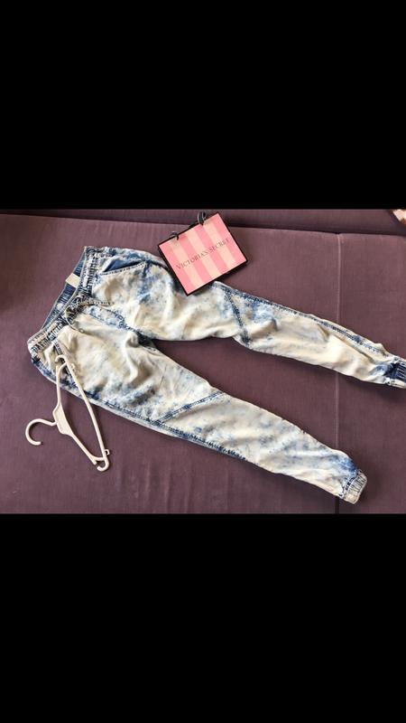 Клевые джинсы варенки  denim&co с резинками снизу