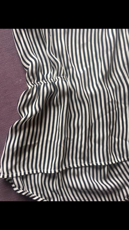 Красивая блузочка h&m  в полоску - Фото 2