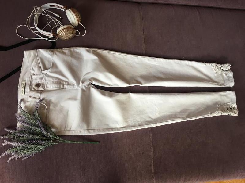 Актуальные белые котоновые  штаны,джинсы с высокой посадкой и ...