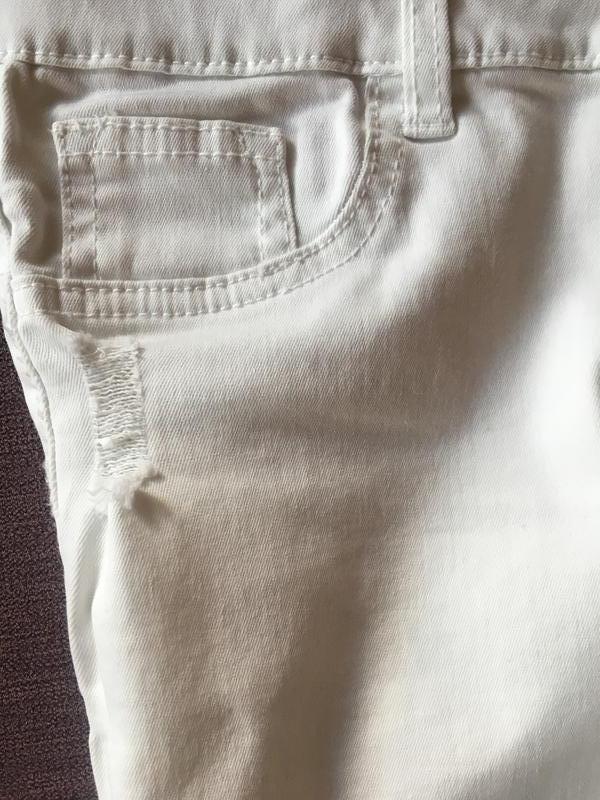 Актуальные белые штаны , скинни с рваностями denim&co - Фото 4