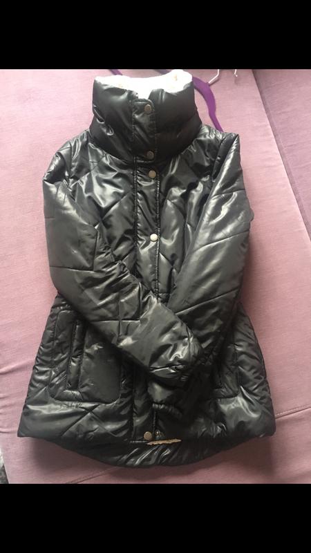 Теплая , клевая курточка only на меховушку
