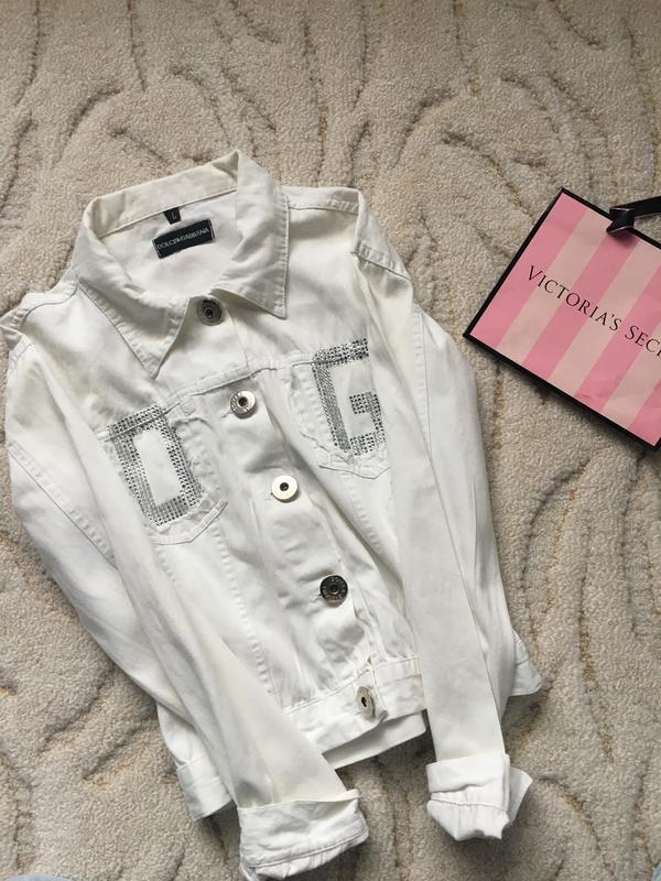 Белый джинсовый пиджак со стразами d&g