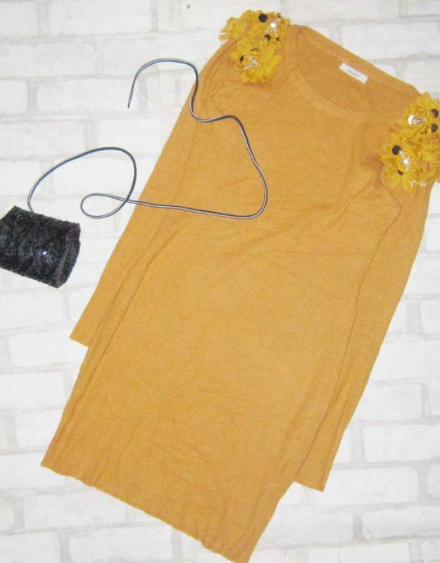 Обалденное платье в рубчик ,с воланами на плечах - Фото 2