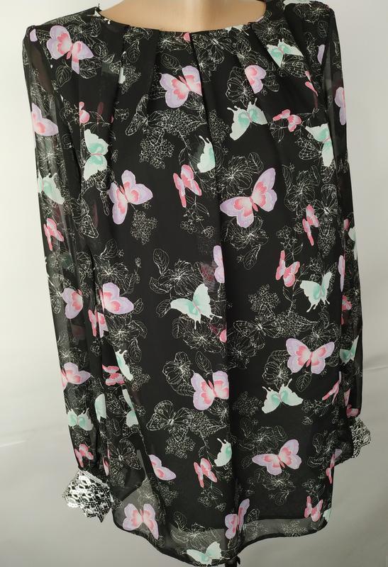 Блуза красивая в принт бабочки на подкладке с паетками на рука... - Фото 3