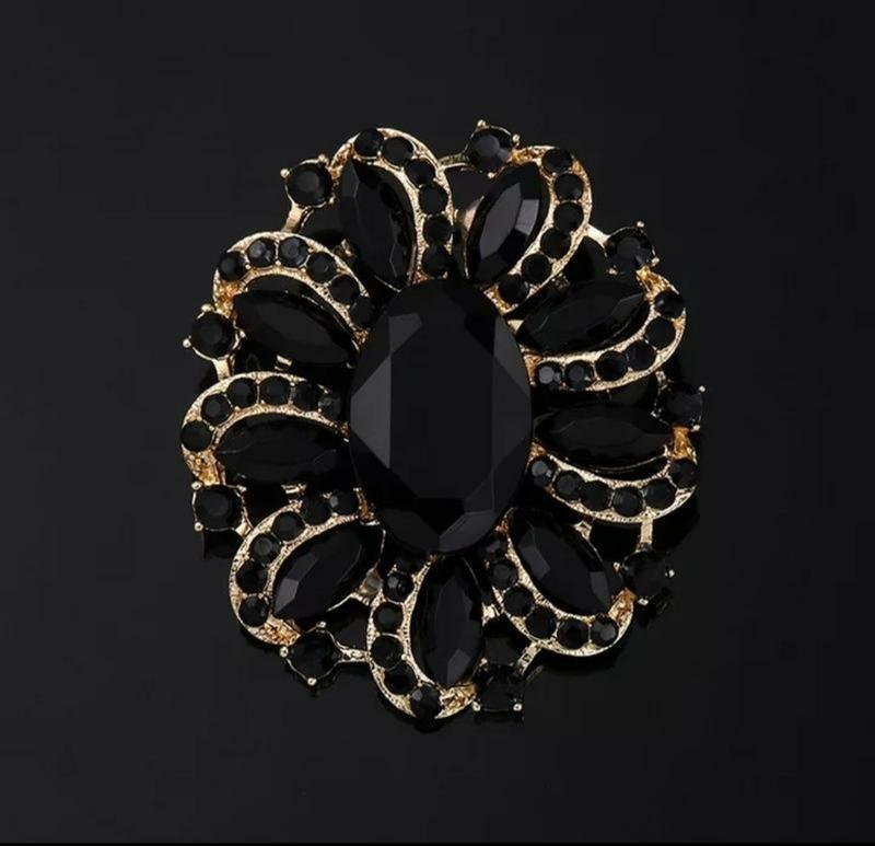 Брошь черные кристаллы/золотистая - Фото 2