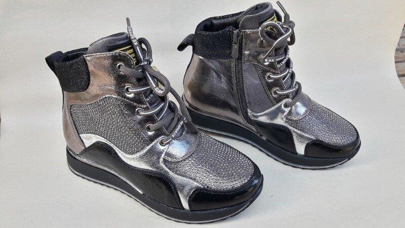 Модные качественные демисезонные ботинки новинка