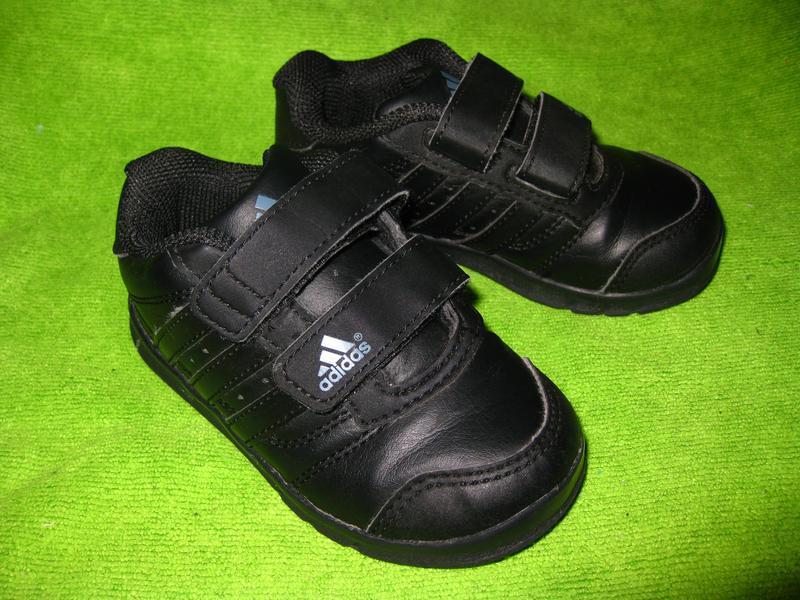Кроссовки adidas,р.21-22