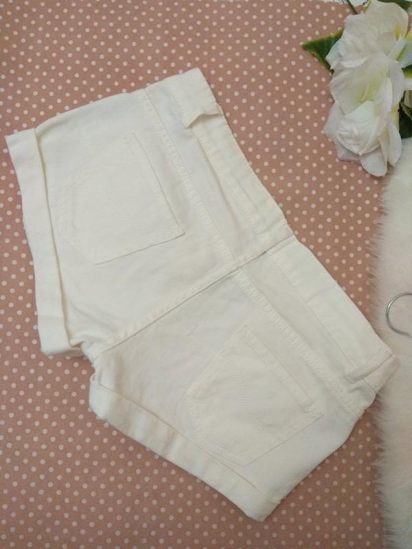 Білі короткі шорти джинсові від фірми denimco - Фото 3