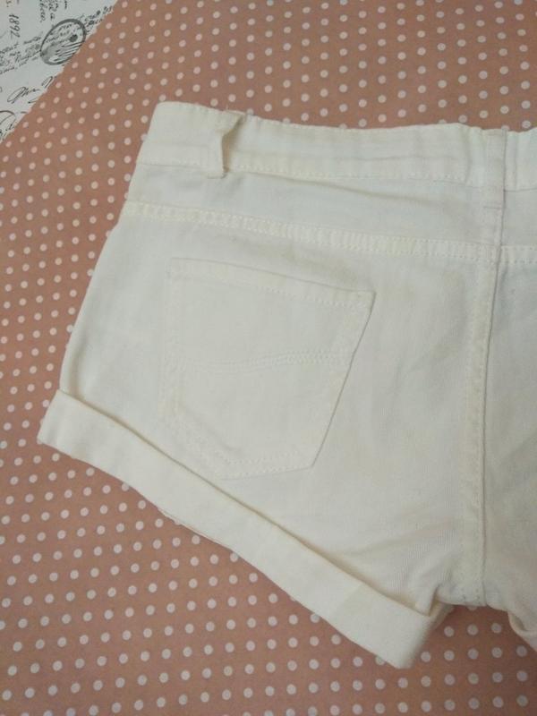 Білі короткі шорти джинсові від фірми denimco - Фото 4
