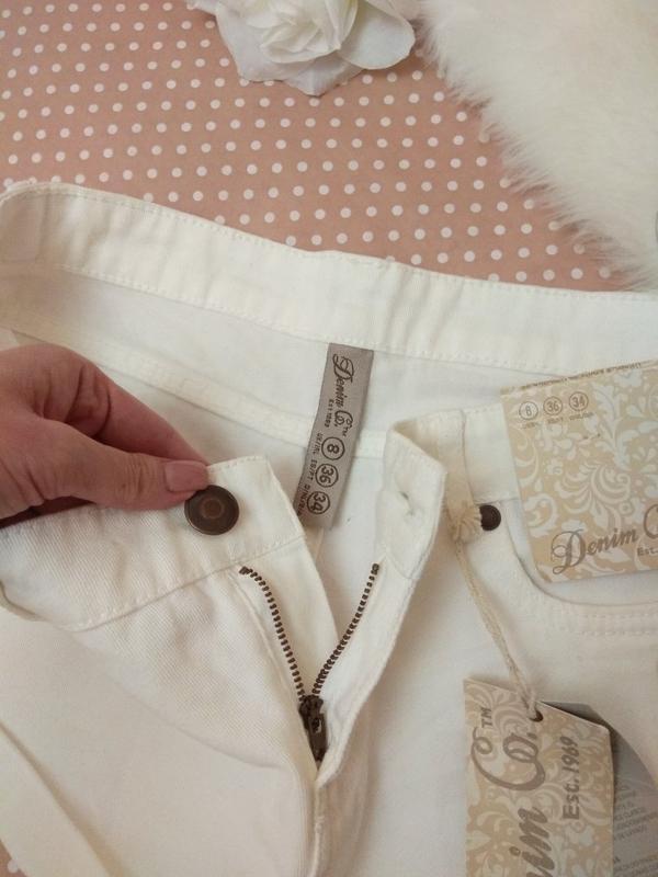 Білі короткі шорти джинсові від фірми denimco - Фото 5