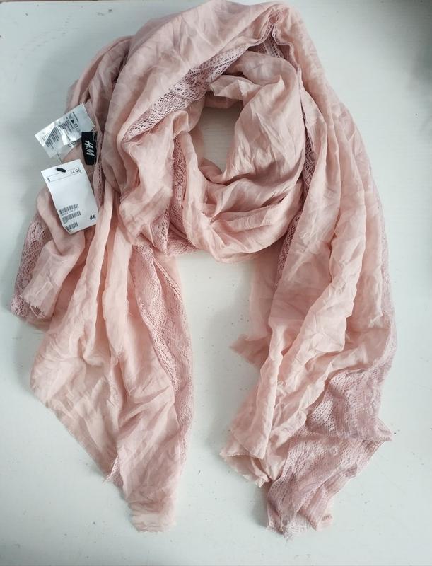 Качественный женский шарф шарфик  с кружевом шведского бренда h&m