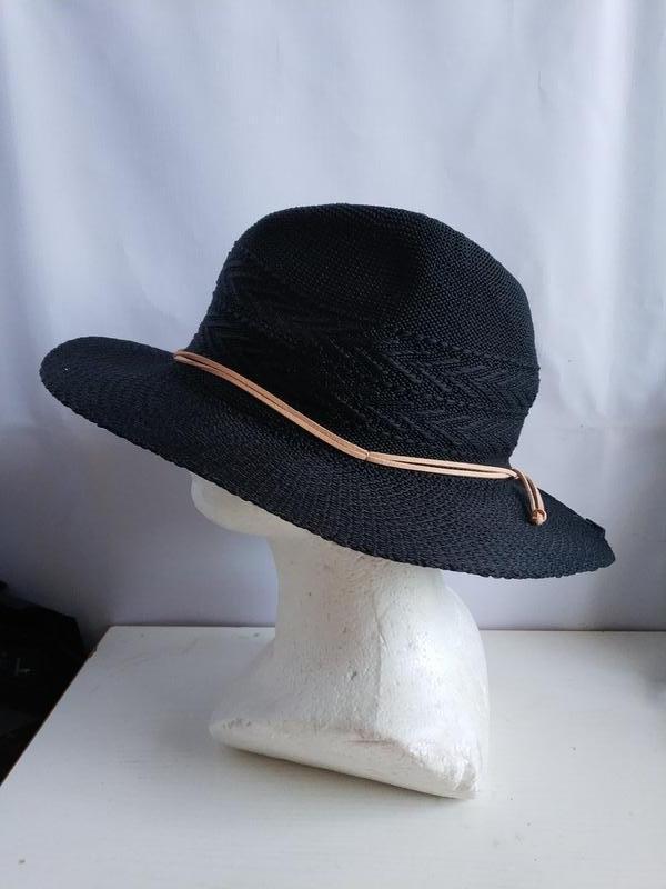 Шляпка шляпа   немецкого бренда accessoires c&a