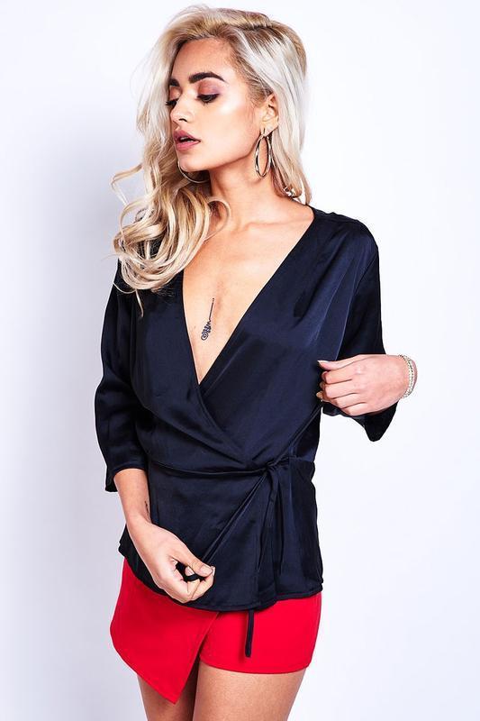 Женская блуза на запах датского бренда sisters point, xl