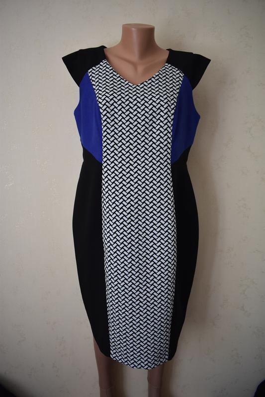 Элегантное платье-футляр с принтом f&f